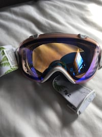 Smith goggles with 2 lenses