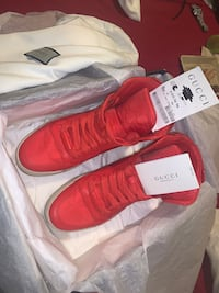Gucci shoes size 9.5 brand new wore it around the house that's all  Richmond Hill, L4C 4E6