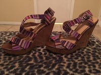 Pair of purple-and-Tan wedge sandals Harlingen, 78550