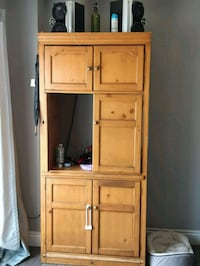 Heavy solid wooden hutch Guelph, N1E 5J9