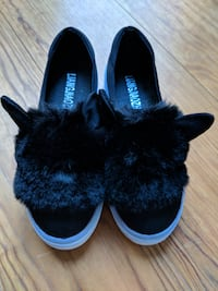 NEW // Furry slip ons with bunny ears - Size US 4.