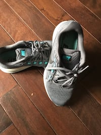 Women size 8.5  Nike Zoom Vomero 12 running shoes Cambridge, N1R 1J6