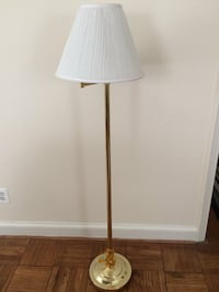 Lamp with shade takes up to 150watt bulb Arlington, 22204