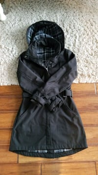 True North fleece lined trench coat. Size small London, N6H 4W9