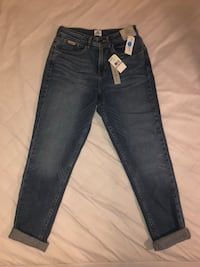 Brand new Calvin Klein mom jeans Bakersfield, 93313