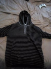 black and gray stripe sweater Montréal, H3J 1N1