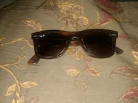 black framed Ray-Ban wayfarer sunglasses Las Vegas