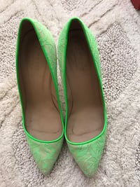pair of green pointed-toe heels Toronto, M2N 1L8