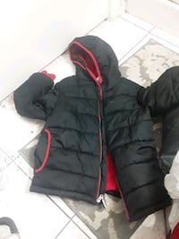 boys black and red Hoodie size m(8)