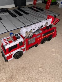 Fire truck with real water hose