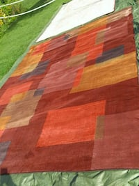 New 9x13 area rug thick heavy made Kingsport, 37660