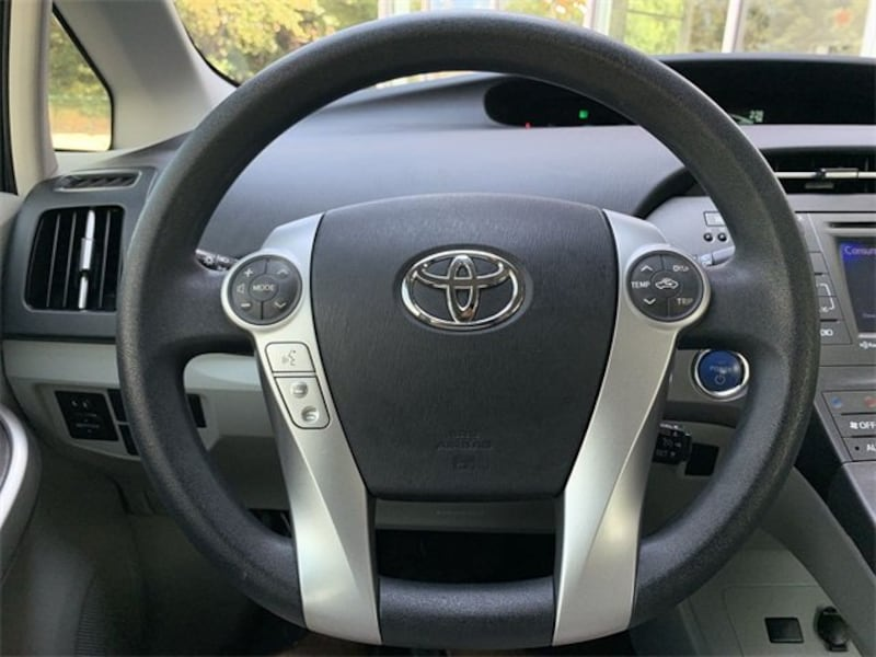 Toyota Prius 2012 82030f3a-e85d-4cce-aa8c-0ab1ebfd0b74