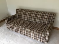 Bed chesterfield Toronto, M9V 2H9