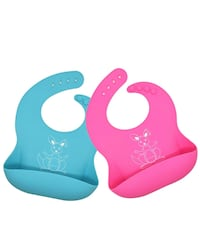 Brand new Waterproof Silicone Baby Bibs, rinses clean easily(pick up only) Alexandria, 22304