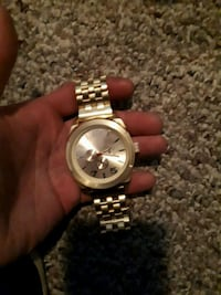 round silver-colored chronograph watch with link bracelet Winnipeg, R2R 0A1