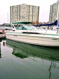 Sea ray 1987 34 footer twin engines 454 mercruiser