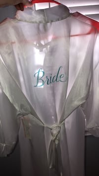 New Bride Robe with Tag Hollister, 95023