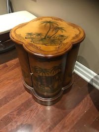 Very beautiful palm tree table with drawer.