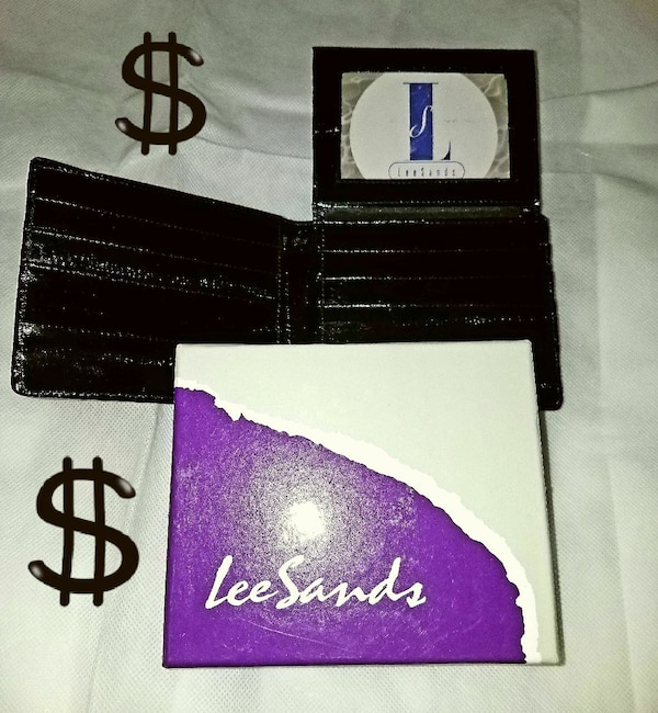 Lee Sands Wallet - Brand New w/$2 f5faef35-6c09-4215-aabc-85f692082ee6