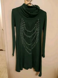 black and green long-sleeved dress Mississauga, L5A 3P8