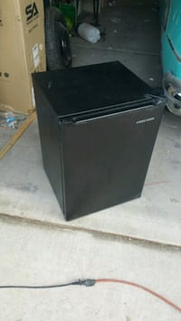 Black & Decker small fridge Las Vegas, 89108