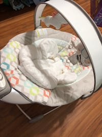 baby's white and gray bouncer Mesa, 85205