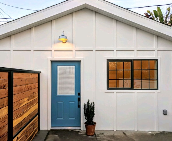 Studio Guest House FOR RENT
