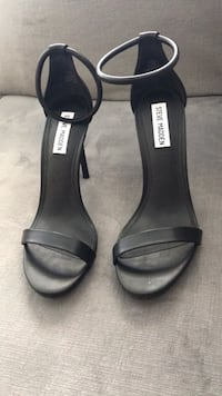 Steve Madden ( woman's shoes) Cambridge, N3E 0B3