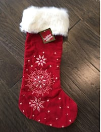BNWT Stocking with white faux fur with rhinestones in snowflakes Aurora, L4G 1B7