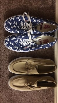 pair of blue-and-white Vans low-top sneakers,brown boat shoes 2472 km