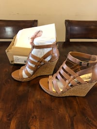 JS/JEYNE Shoe size 8M Brand New in Box Woodbine
