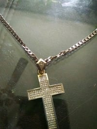 gold chain necklace with cross pendant New Haven, 06513