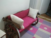 pink and white suede leather wooden framed couch Balıkesir, 10050