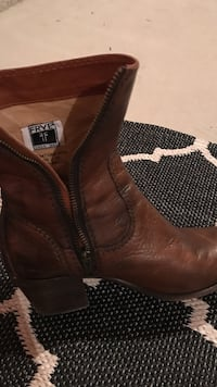 Frye leather boots size 8 Vaughan, L4H 0W2
