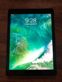 iPad Air 1 - 32GB w/ Apple Leather Smart Case Cornelius, 28031
