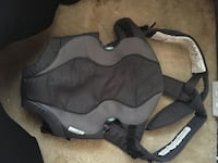 baby's black white and gray carrier