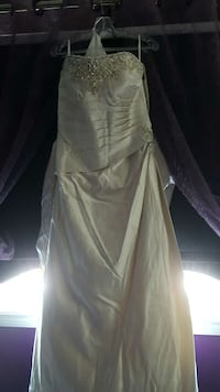Brand New Wedding Gown  Cambridge, N1P 0A5