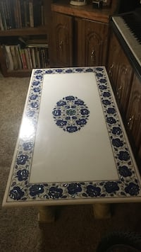 WHITE MARBLE COFFEE TABLE WITH FLORAL PATTERN INLAY CONSISTING OF LAPIS,MALICHITE AND MOTHER OF PEARL Santa Fe, 87505
