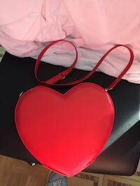 Red Heart Faux Leather Crossbody Bag Los Angeles, 90022