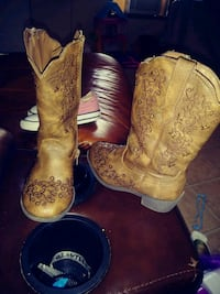 Toddler girl boots size 9 La Porte, 77571