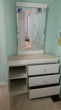 white wooden dresser with mirror Vaughan, L6A 3K4