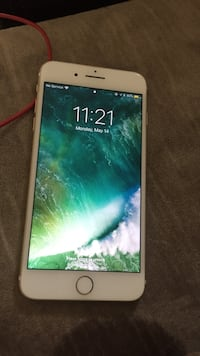 iPhone 7 Plus (Gold) College Station, 77845