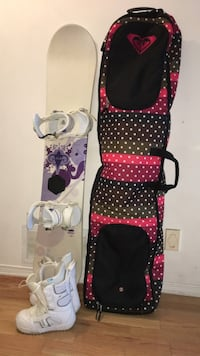 Women's Liquid snowboard, Burton bindings/boots with Roxy carry bag!