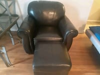 Leather armchair w/ ottoman (Incl. Delivery) Kitchener, N2C 1K7