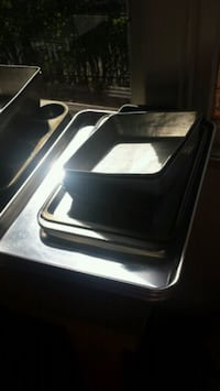 Assorted baking pans and sheets Winnipeg, R2W 1S3