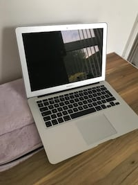 "MacBook Air 11.6"" Hyattsville"