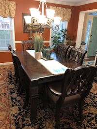 Dining Room Table and Hutch Kingsport, 37663