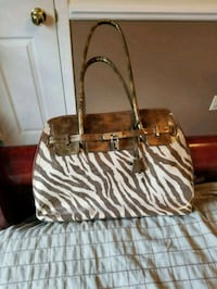 brown and white leather tote bag Kingston, K7K 6X6