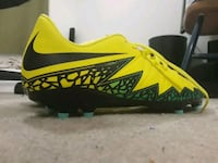 paired Nike Hypervenom outdoor cleats Coquitlam, V3J 3X6