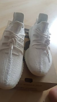 ADIDAS YEEZY Cream white v2